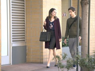 Richard (Thomas Middleditch) convinces Monica (Amanda Crew) to leave Bream Hall and help Pied Piper with its ICO. HBO photo.