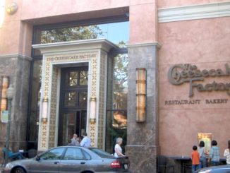 The downtown Palo Alto location of the Cheesecake Factory, at 375 University Ave., is closing. Photo from Wikimapia.org.