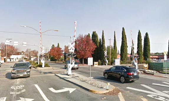 The Whipple Avenue Caltrain crossing in Redwood City. Google Streetview photo