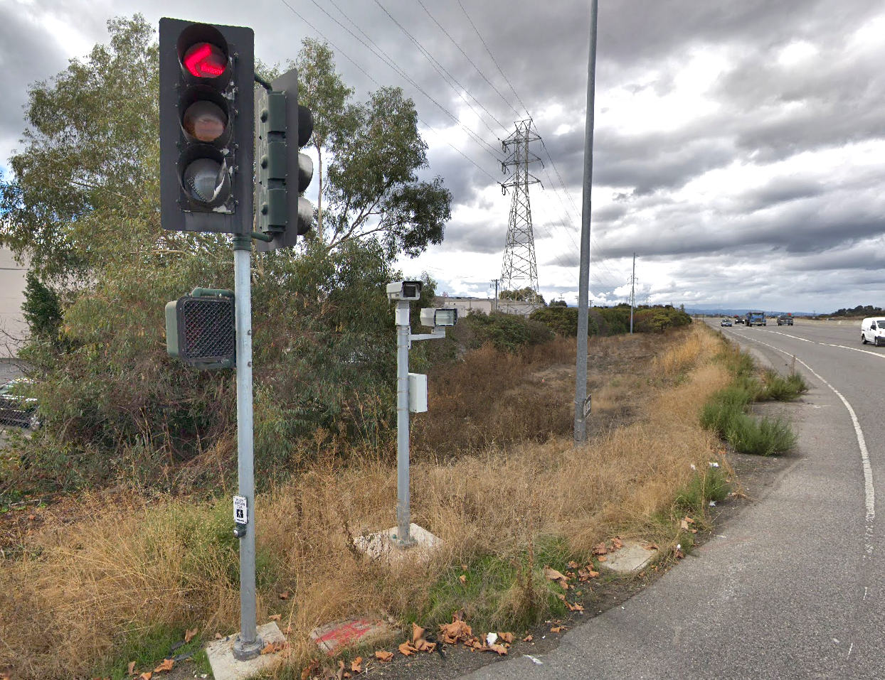 Future of red-light cameras is up in the air - Palo Alto