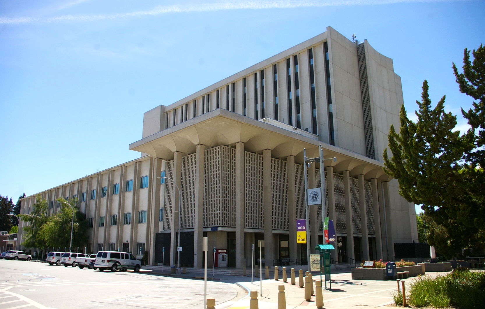 San Mateo County agrees to pay increases in new contract